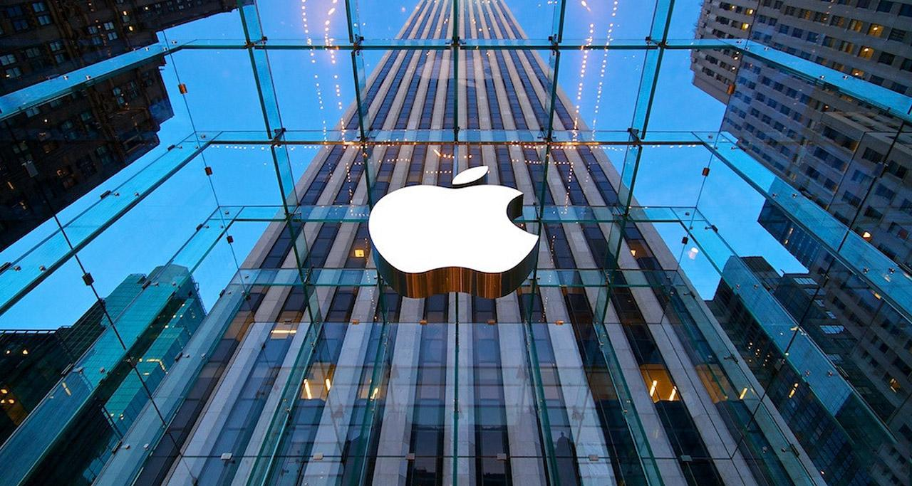 Apple pracuje na virtuální realitě, prozradil Tim Cook v rozhovoru