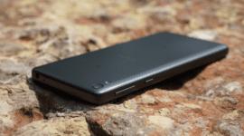 Sony Xperia E5 – rozpačitá nižší střední třída [recenze]