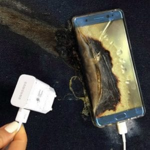 galaxy-note-7-review-failed-explode-7-th-times-suspended-bomb-iphone-7-charging