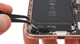 Novinky od Applu rozebrány – co je místo 3,5mm jacku?