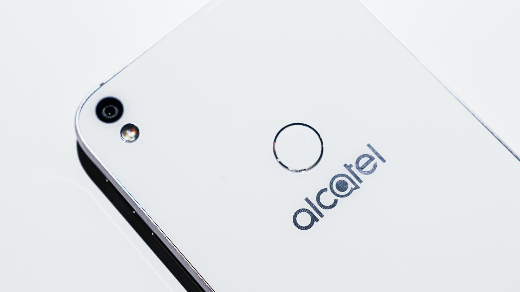 Alcatel Shine lite – první pohled