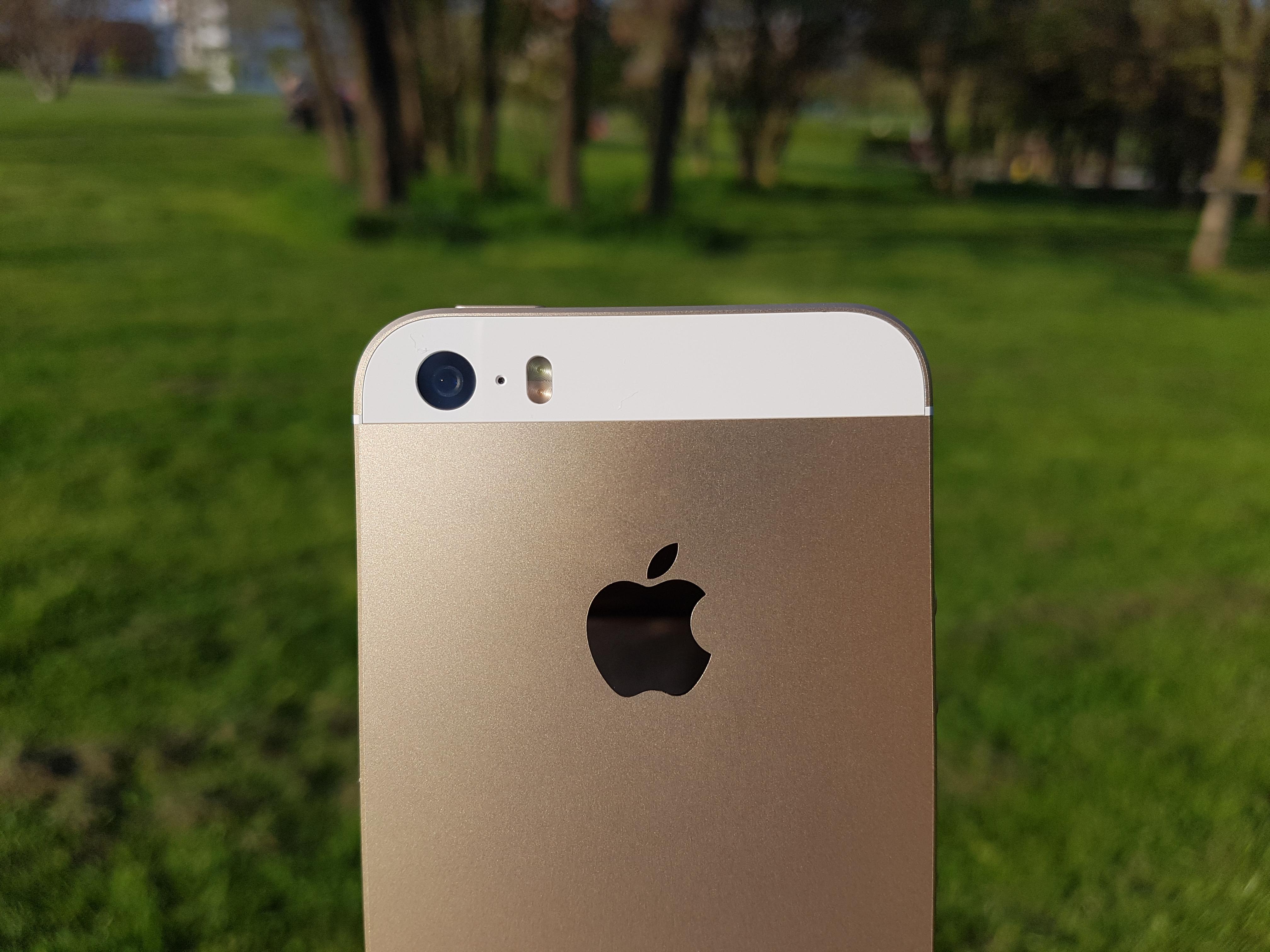 Na jaře prý nemáme očekávat nový iPhone SE