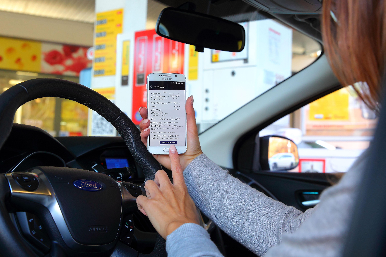 Novinka u čerpacích stanic – zaplatíte a nemusíte ani vystoupit z auta