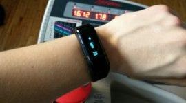 NO.1 F1 - fitness hodinky s dobrými funkcemi [minirecenze]