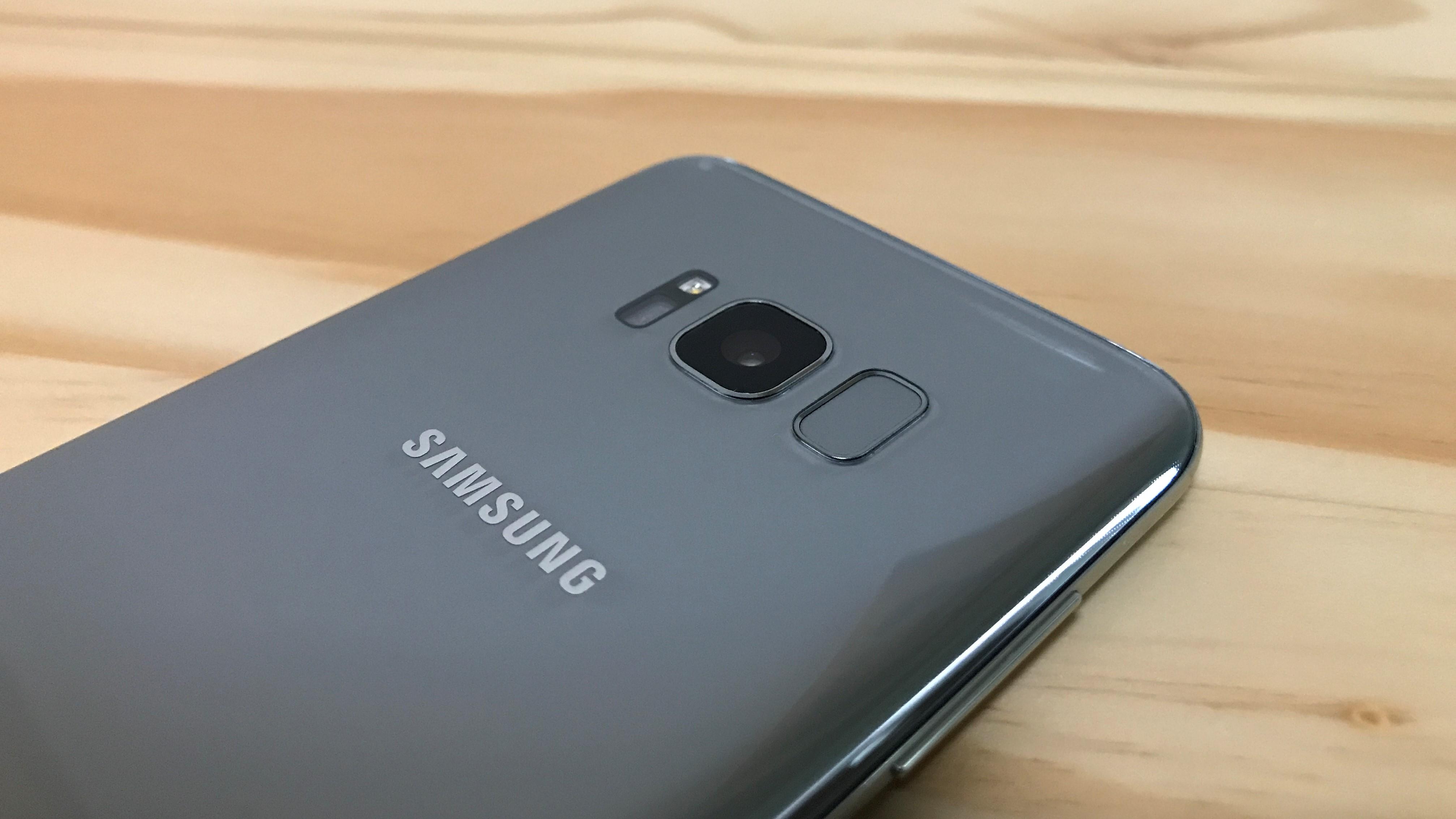 Má Galaxy S8 stejný problém jako Huawei P10? Ne tak docela.