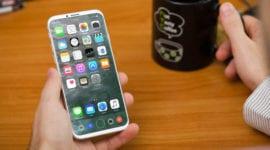 Všechny tři nové iPhony mají mít 3 GB RAM a dvě baterie