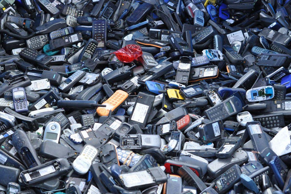 Společnost Greenpeace společně s iFixit analyzovala stav odpadu vzniklého z elektroniky