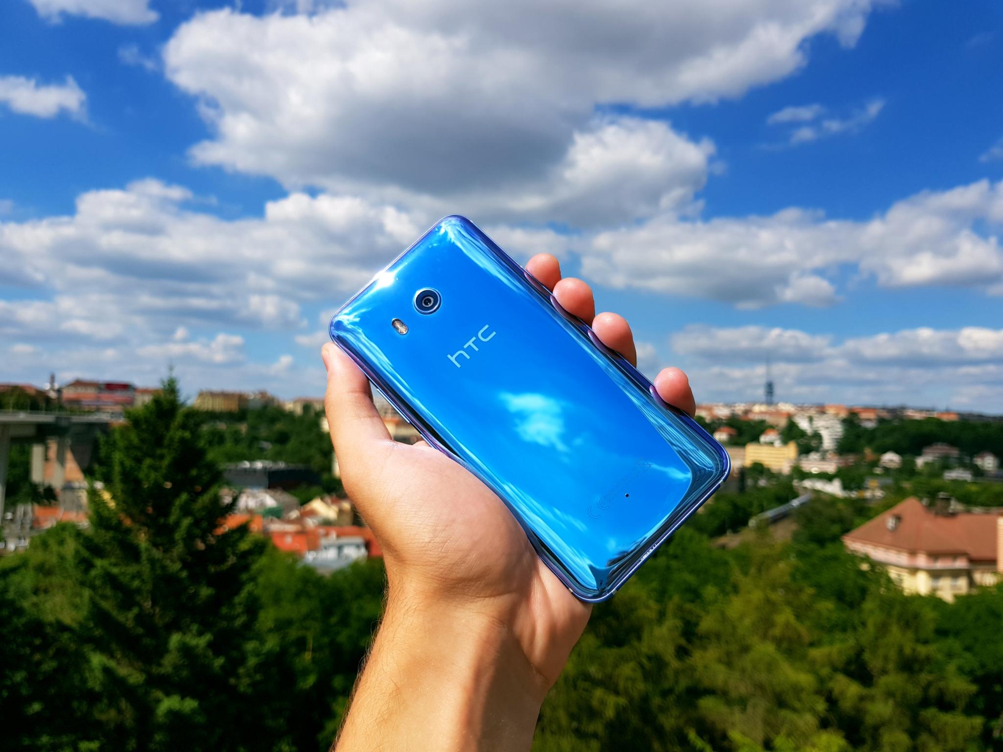 HTC U11 – mačkací telefon plný překvapení [recenze]