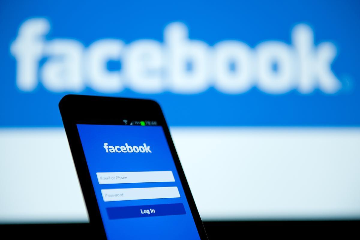 """Facebook pracuje na """"tabletu"""" pro videochat a inteligentním reproduktoru"""