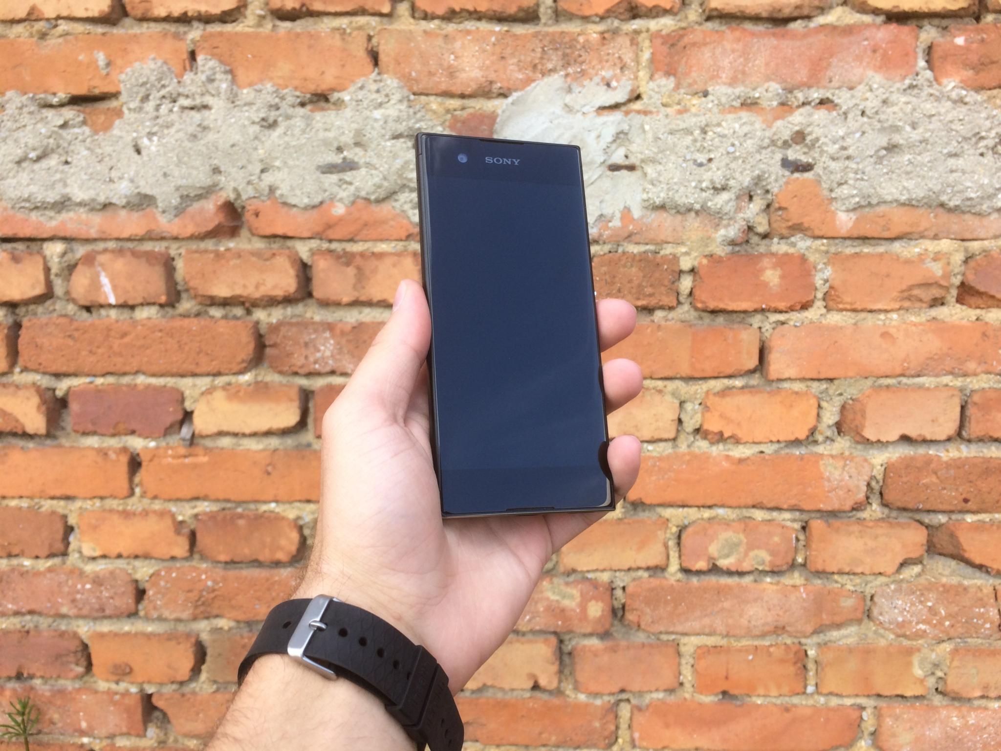 Sony Xperia XA1: kompaktní prcek pro nenáročné [recenze]