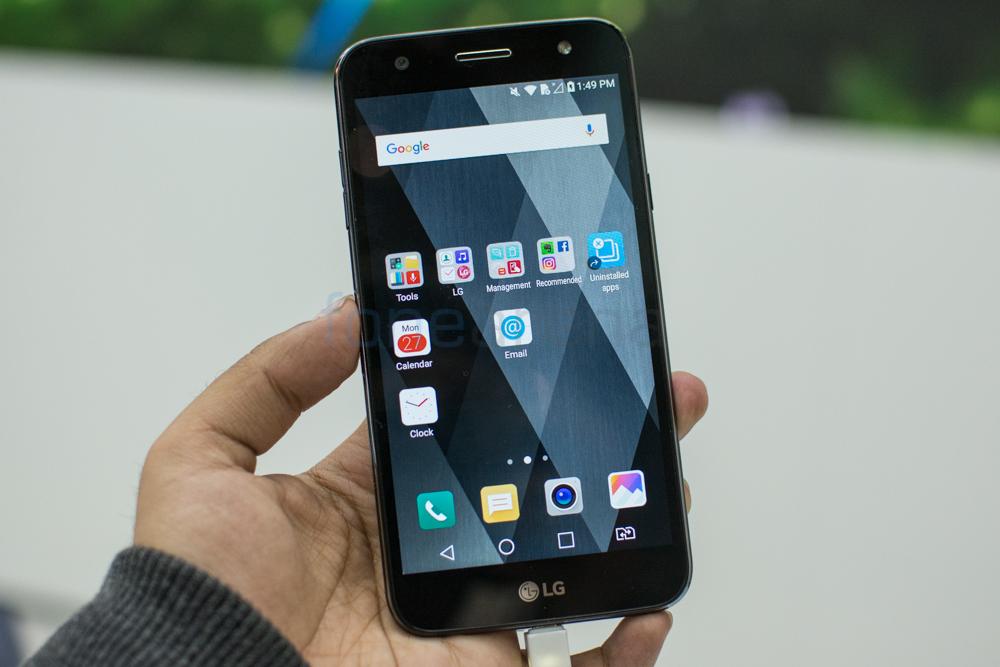 Novinka LG X500 nabízí velkou baterii