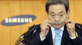 Šéf Samsungu se stal 42. nejbohatší osobou na světě, synovi se též daří