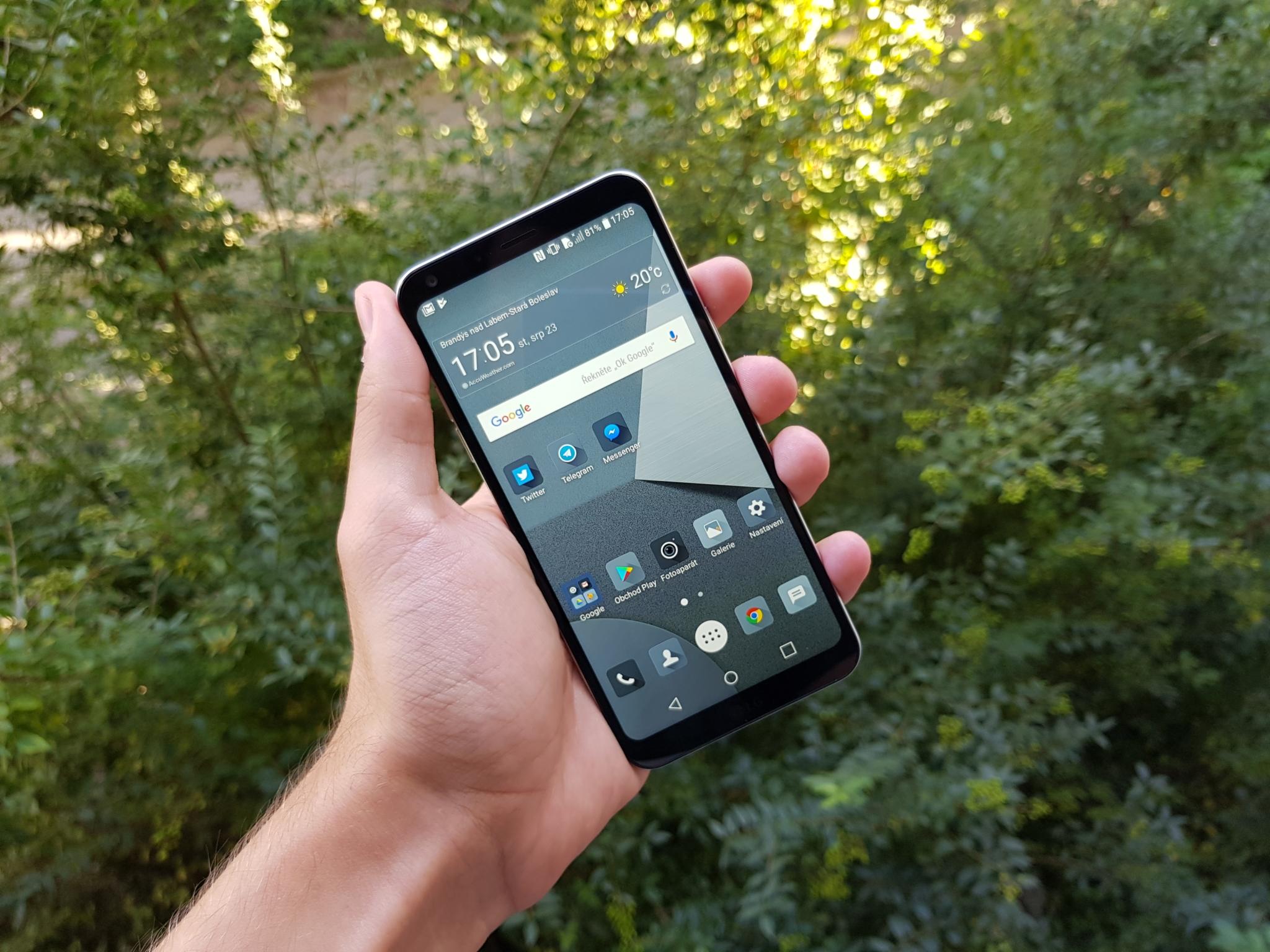 LG Q6 přichází do ČR, přináší minimální rámečky do střední třídy