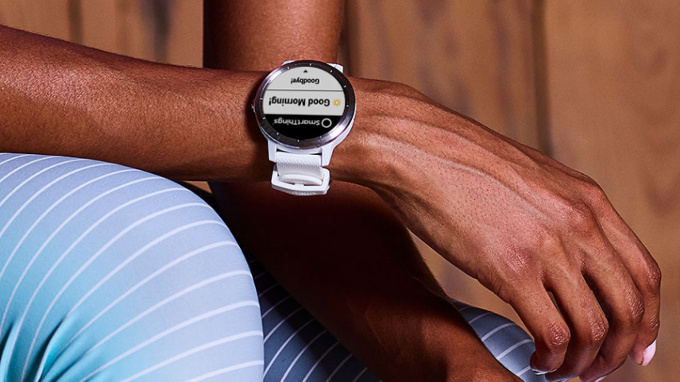 Garmin představil chytré hodinky Vivoactive 3 s podporou Garmin Pay