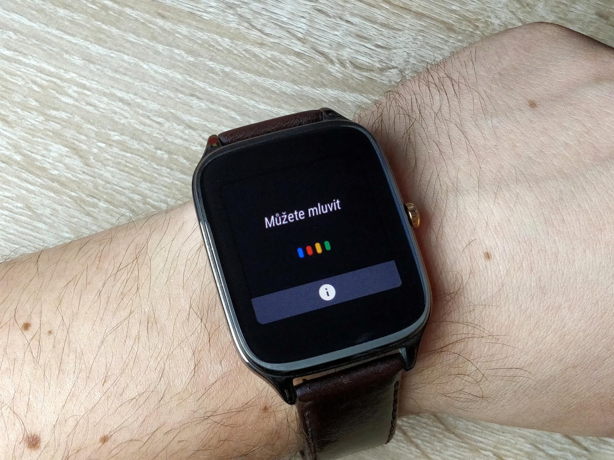 Android Wear 2.0 konečně rozumí češtině
