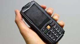 Ysfen F8 - záložní odolný tlačítkový mobil [recenze]
