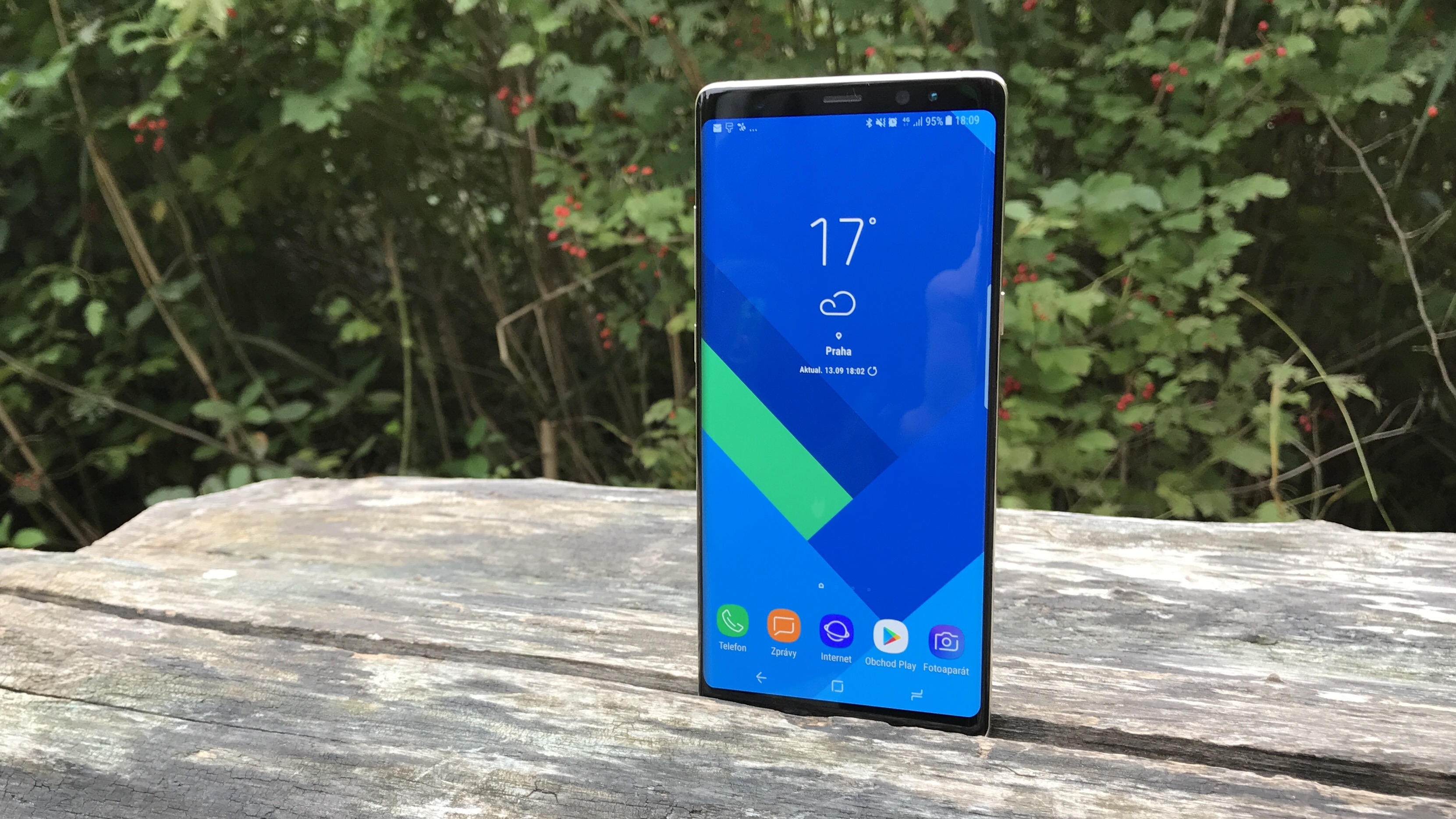 Samsung uvedl Galaxy Note 8 Enterprise Edition