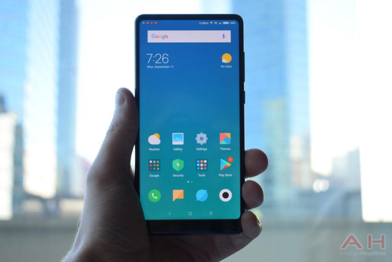 Xiaomi Mi Mix 2 představen – levnější a kompaktnější