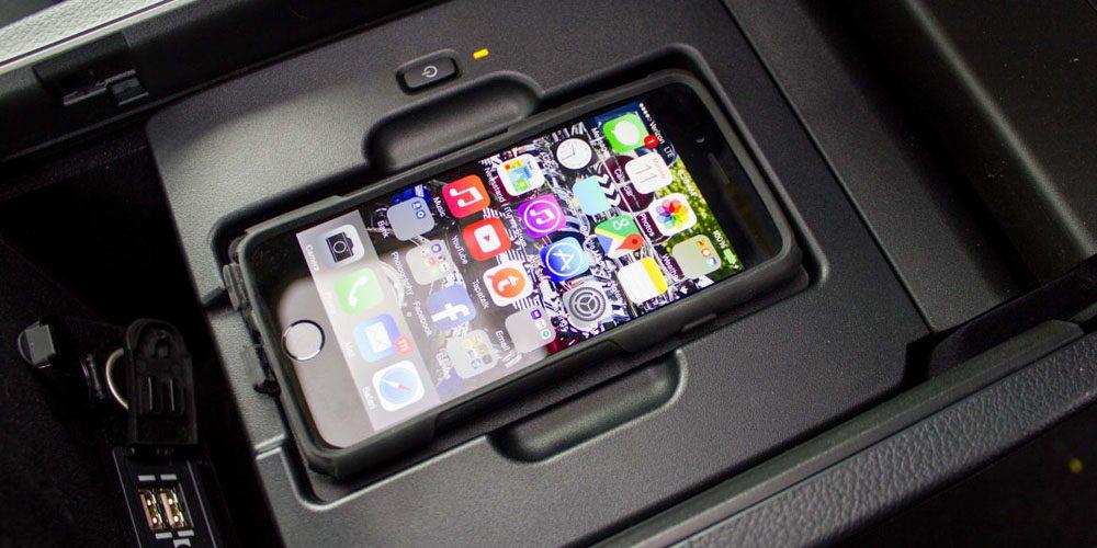 Apple zveřejnil seznam automobilek podporující Qi