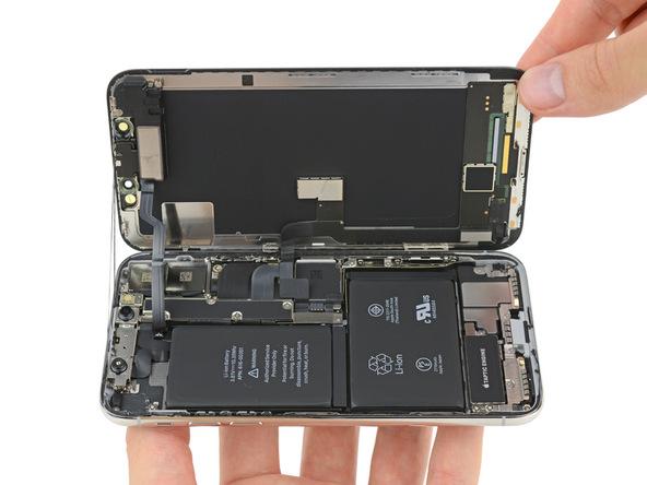 Výrobní cena iPhonu X činí 358 dolarů