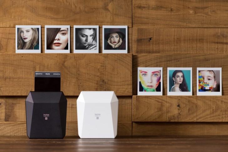 Fujifilm předvedl mobilní tiskárnu Instax Share SP-3 SQ