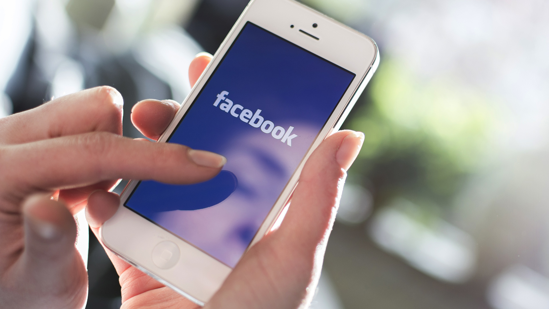 Facebook testuje funkci pro skrývání příspěvků pomocí klíčových slov