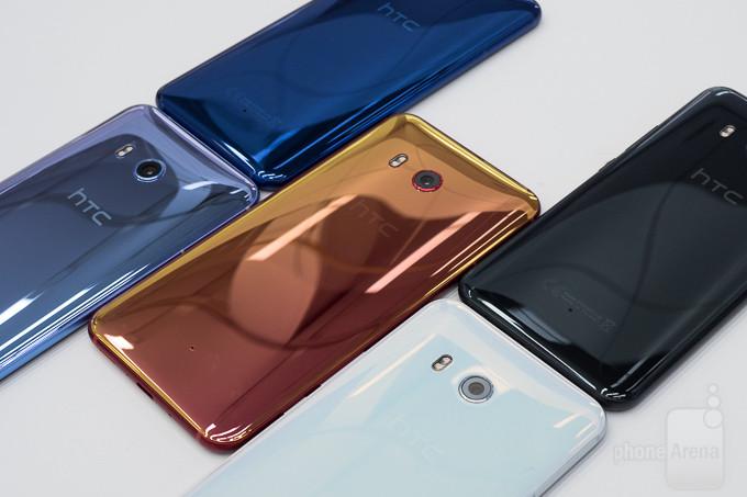 HTC U12+ přijde se čtyřmi foťáky