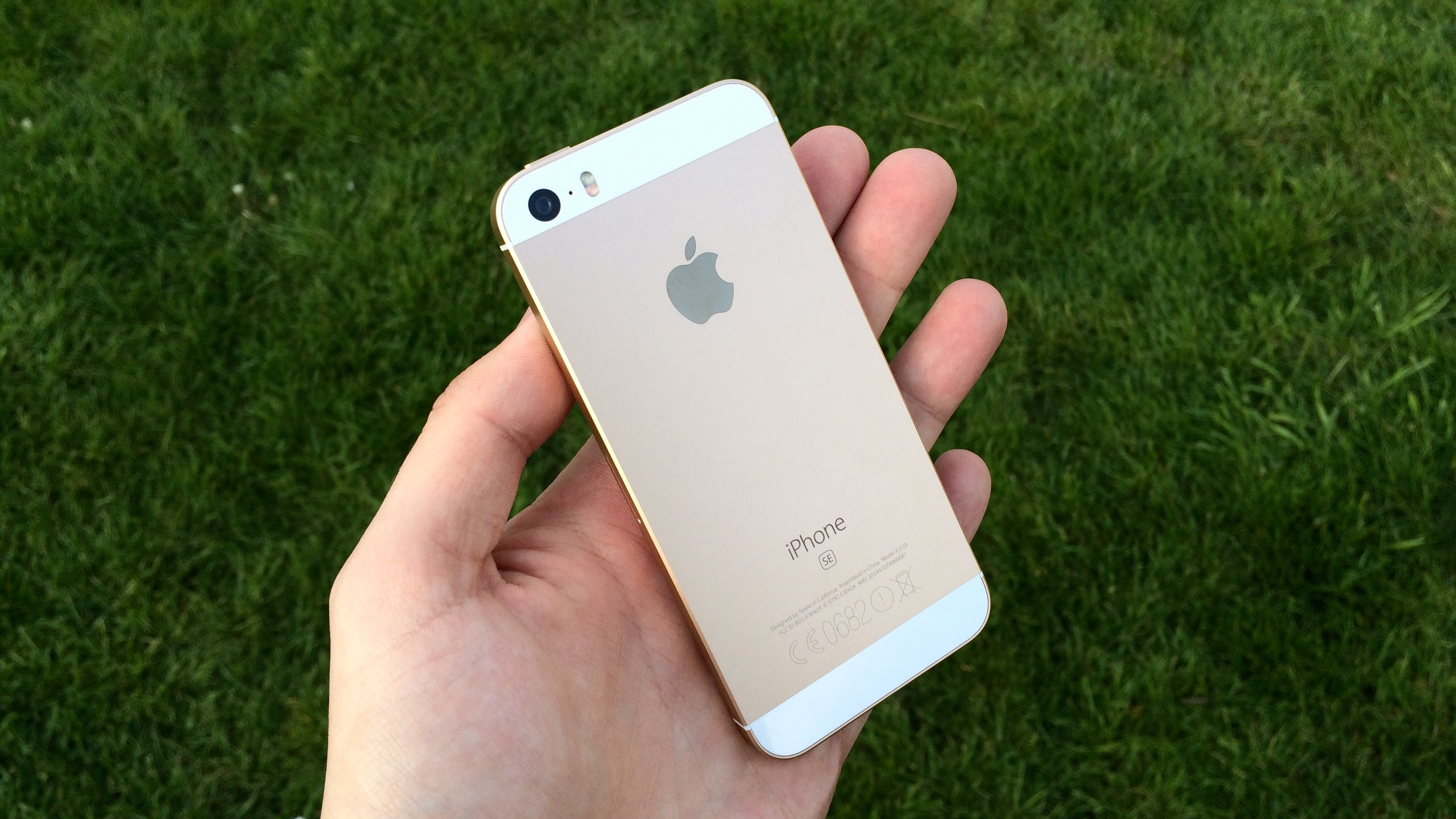 iPhone SE2 možná přijde až příští rok a nebo přinese minimum novinek
