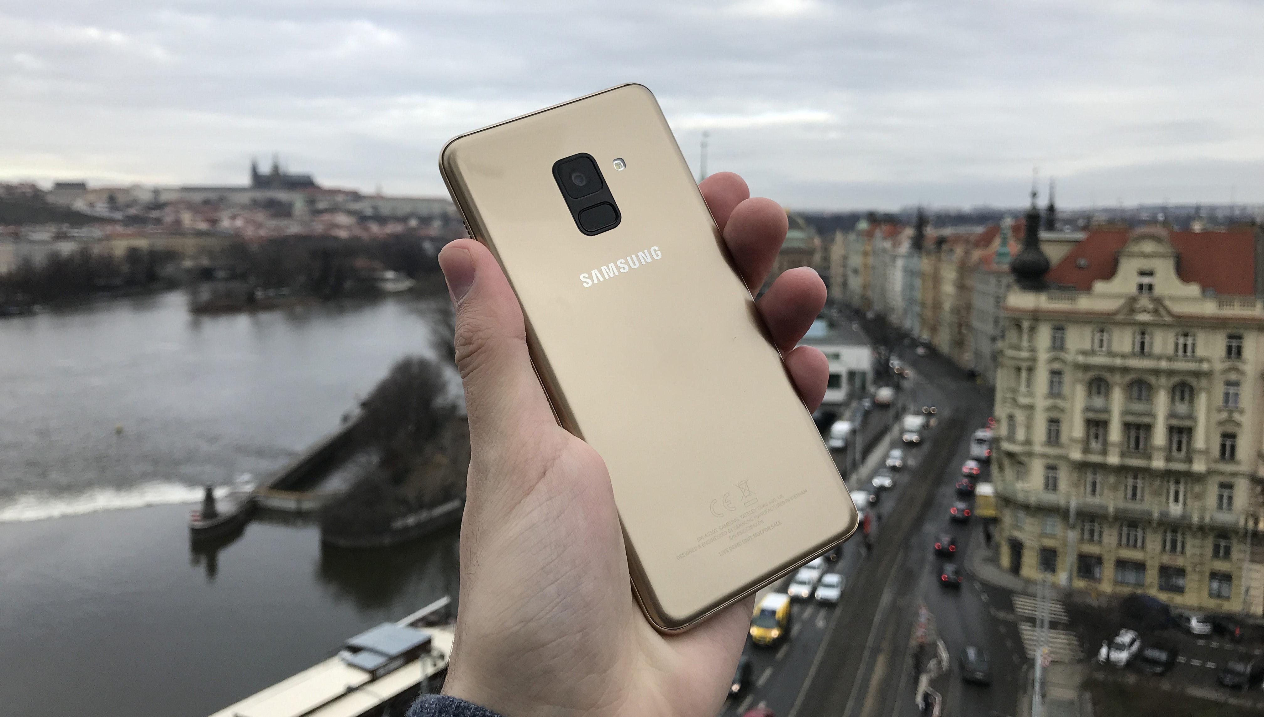 Samsung Galaxy A8 (2018) – první pohled
