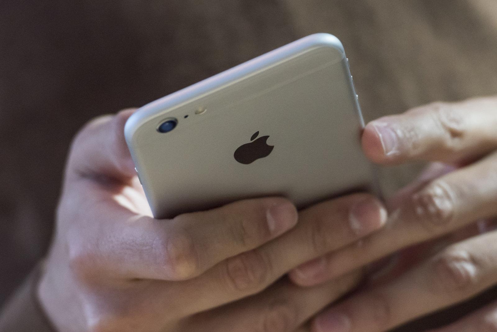 Apple chce být opět revoluční, pro rok 2020 chystá ohebný telefon