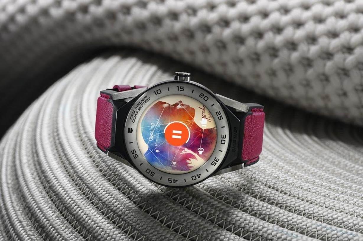 Tag Heuer Connected Modular 41, hodinky pro menší zápěstí za 25 200 Kč