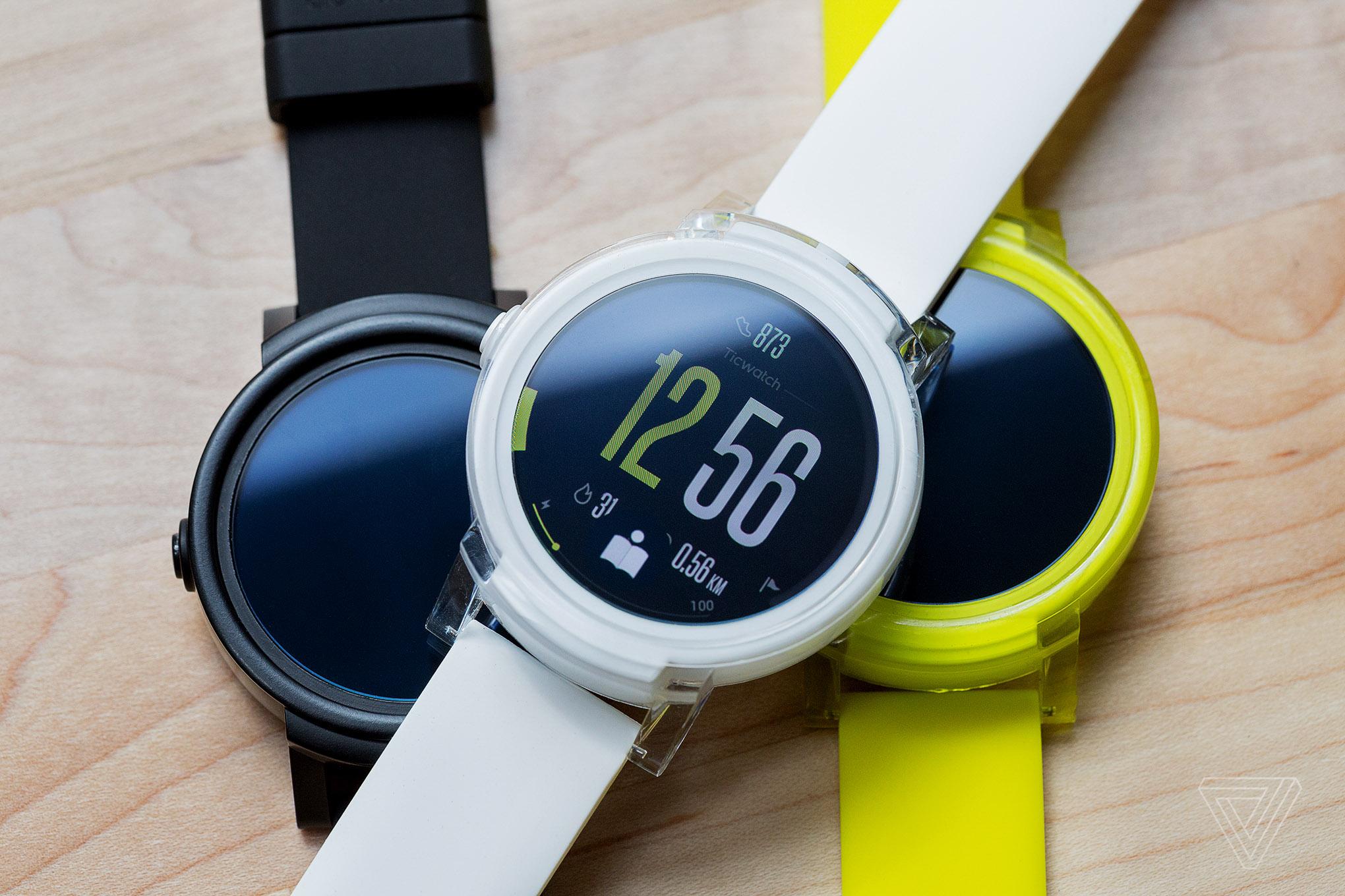 Ticwatch E s Android Wear 2.0 nyní za lidových 2 687 Kč! [sponzorovaný článek]