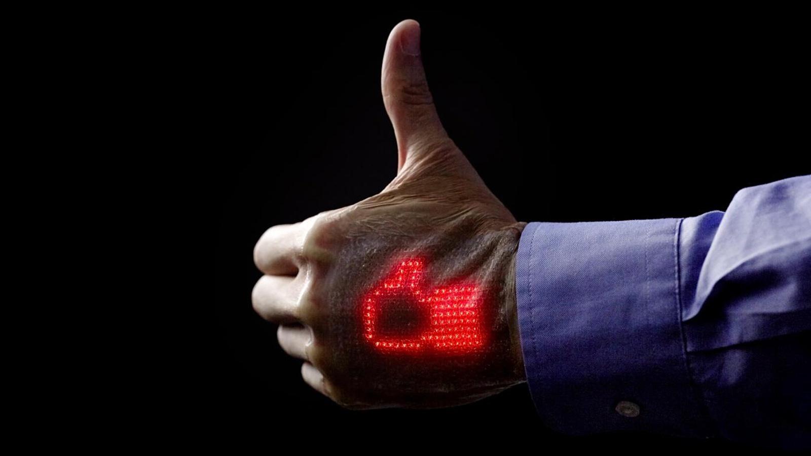 Elektronická kůže v budoucnu zobrazí informace okolí