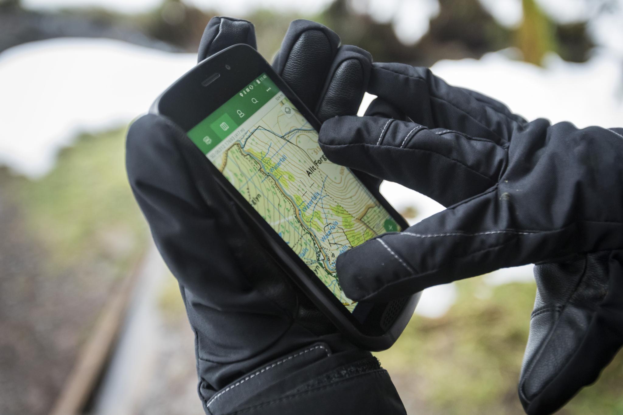 Odolné telefony nevymřely, dnes mají termokameru i snímač kvality vzduchu [sponzorovaný článek]
