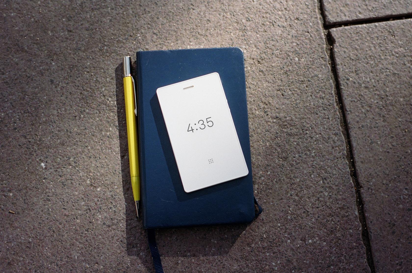 Nový Light Phone 2 přináší zobrazování pomocí elektronického inkoustu