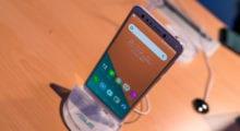 Asus ZenFone 5 Lite – první dojmy na čtyřočko [video]