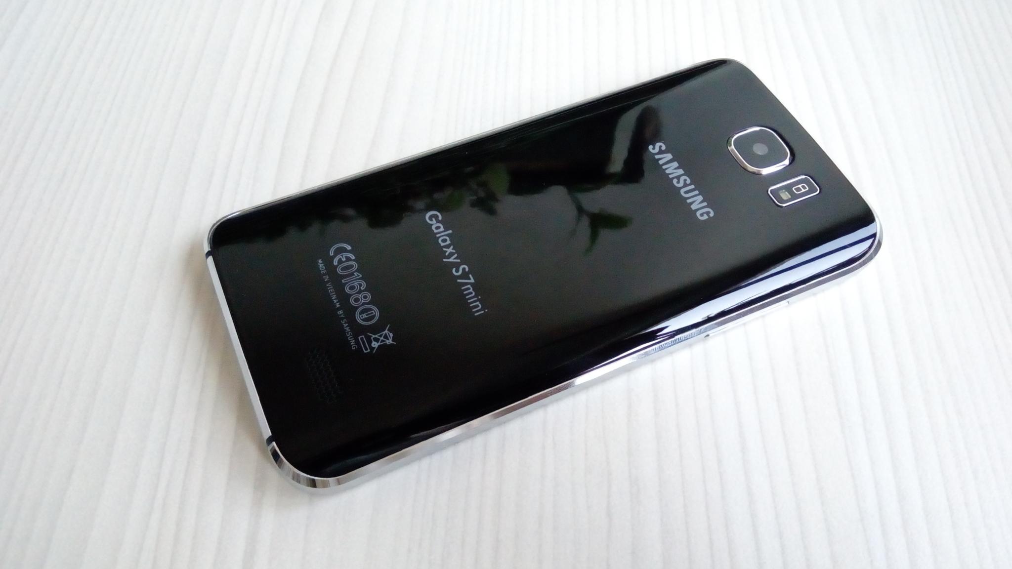 Samsung zřejmě chystá Galaxy S9 mini