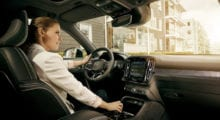 Android Automotive dostane Play Store a další vylepšené funkce