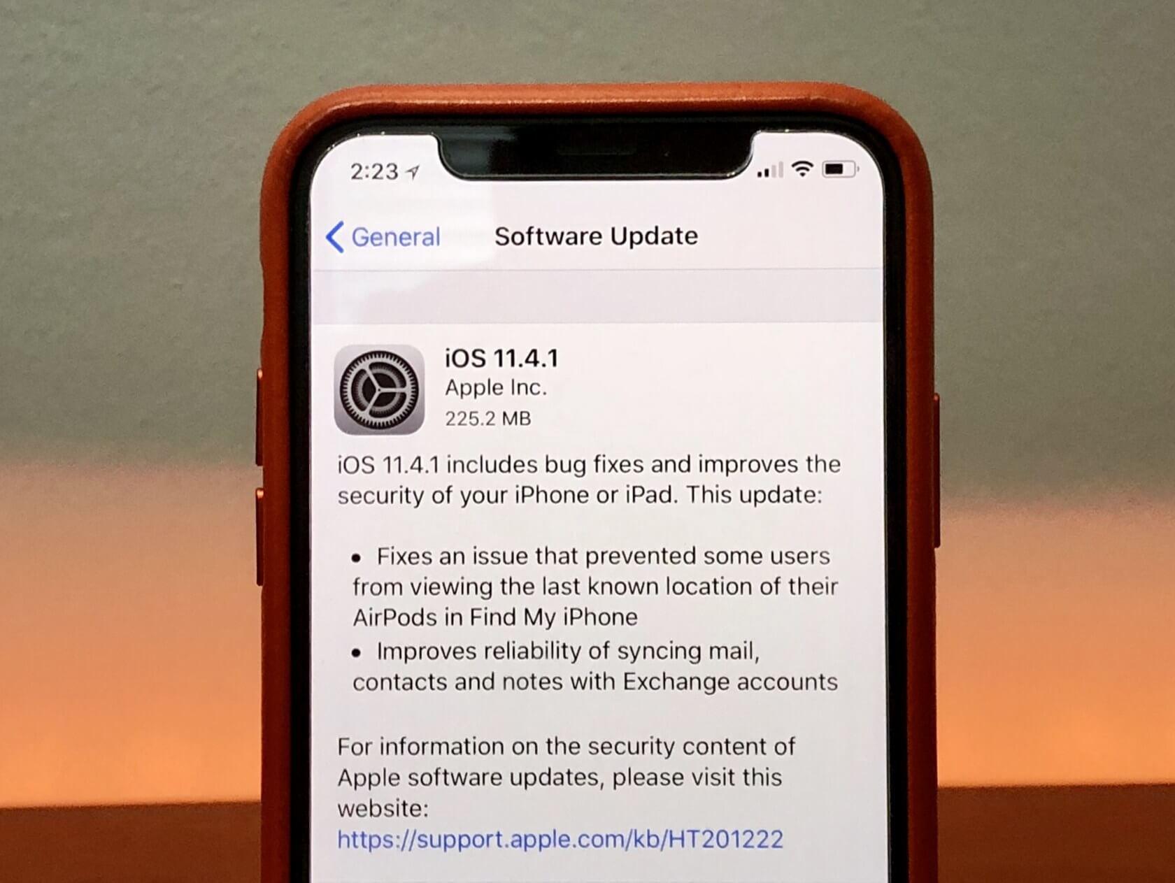 iOS 11.4.1 opět v problémech, nyní uživatelé nemohou aktualizovat aplikace