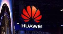 Huawei chce jako první představit skládací telefon, a to za každou cenu