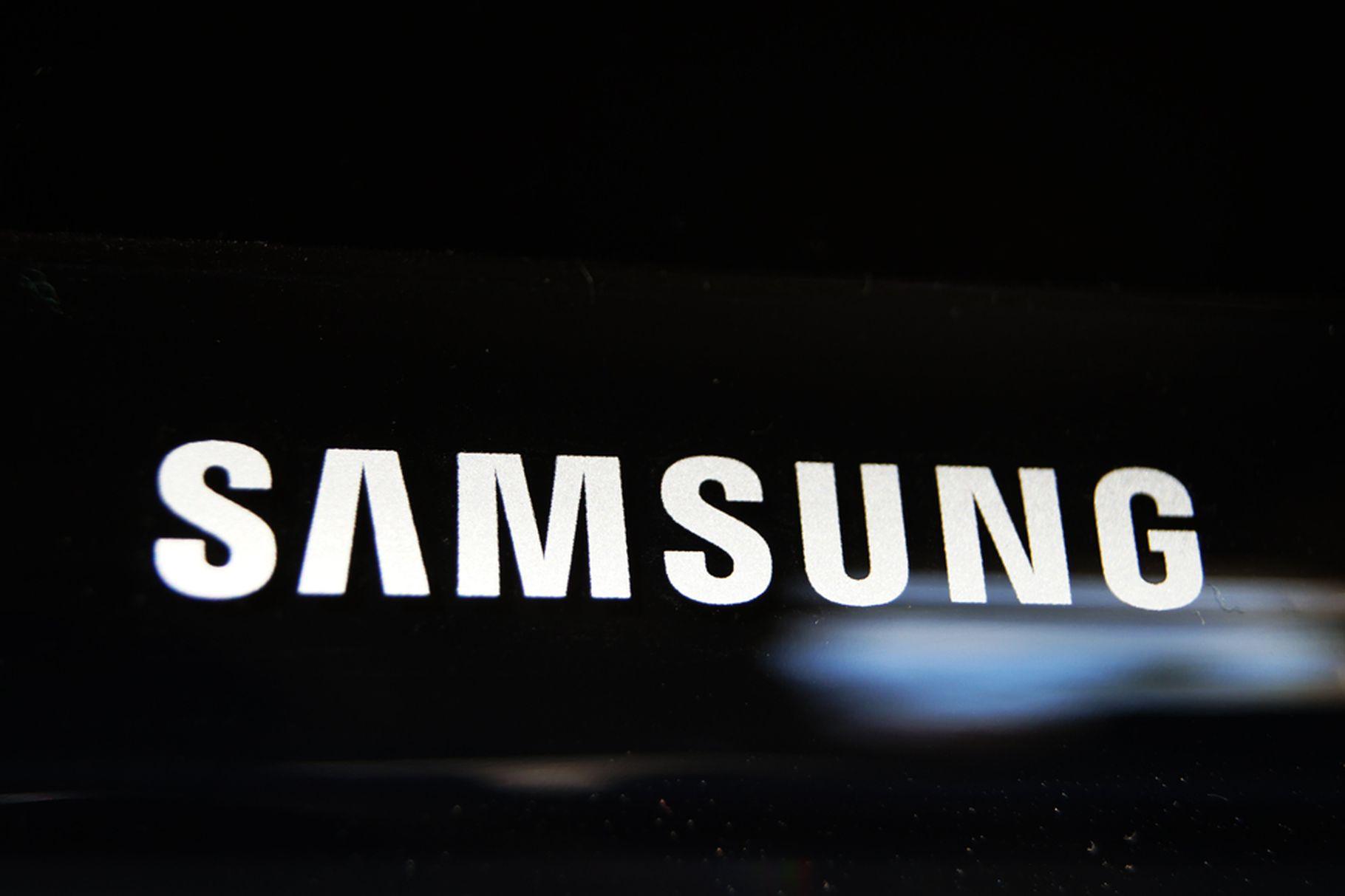 Samsung stanovuje garantovanou cenu za pozáruční výměnu displeje