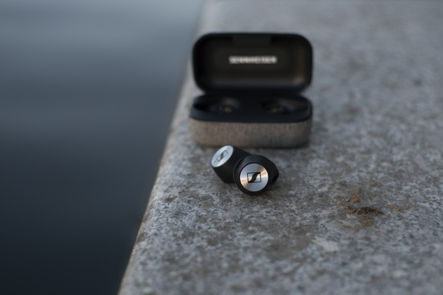 Sennheiser se zbavil kabelu, představil sluchátka Momentum True Wireless