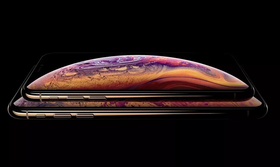 Apple skrýval výřez v displeji, čímž klamal zákazníky