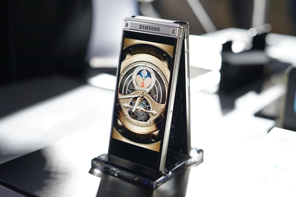 Samsung W2019 nabídne špičkový design a cenu startující na 55 000 Kč