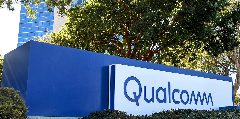 Apple je pod velkým tlakem, Qualcomm po něm chce 7 miliard dolarů
