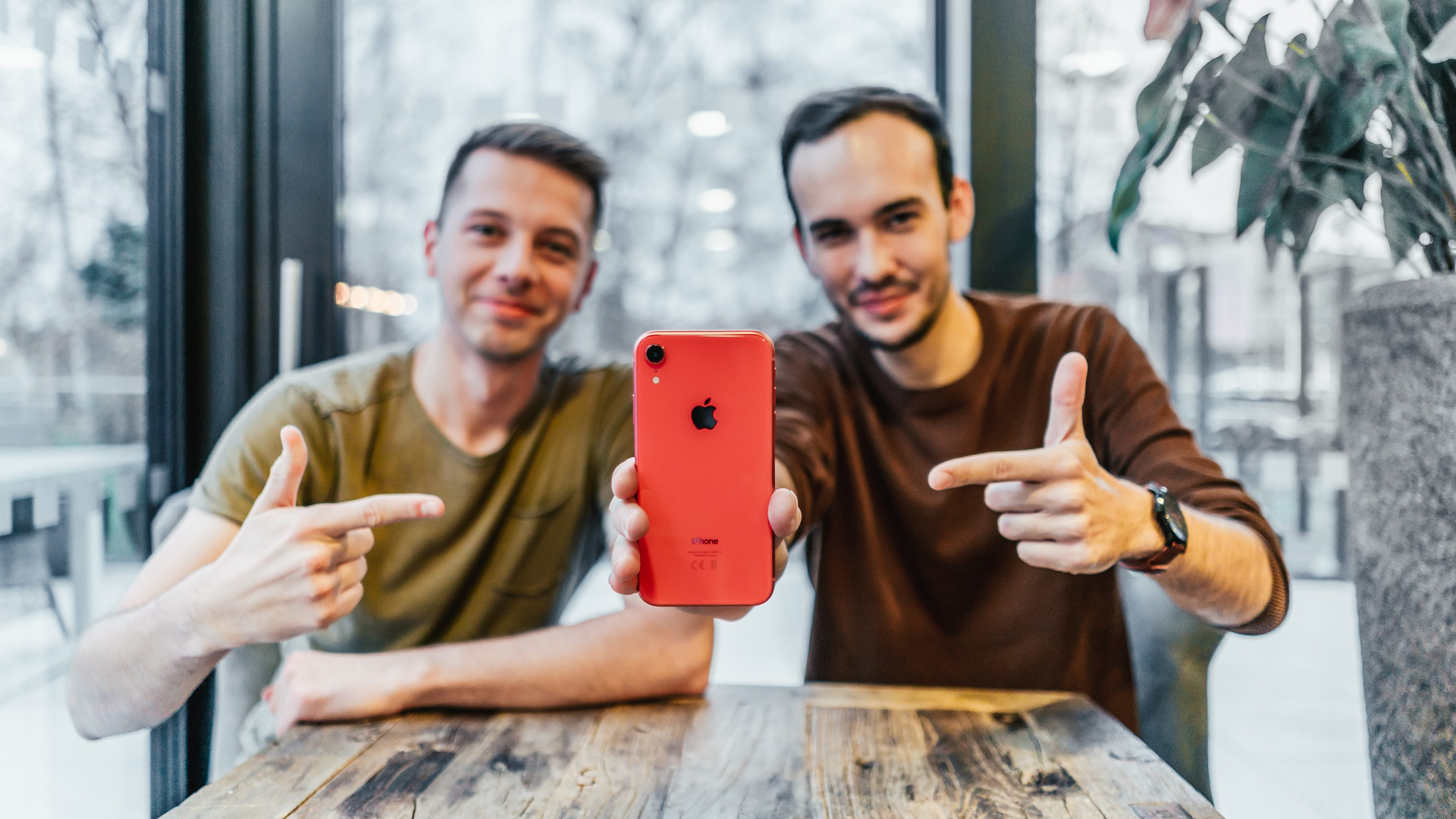 Co od Applu pod stromeček? iPhone XR? [video]