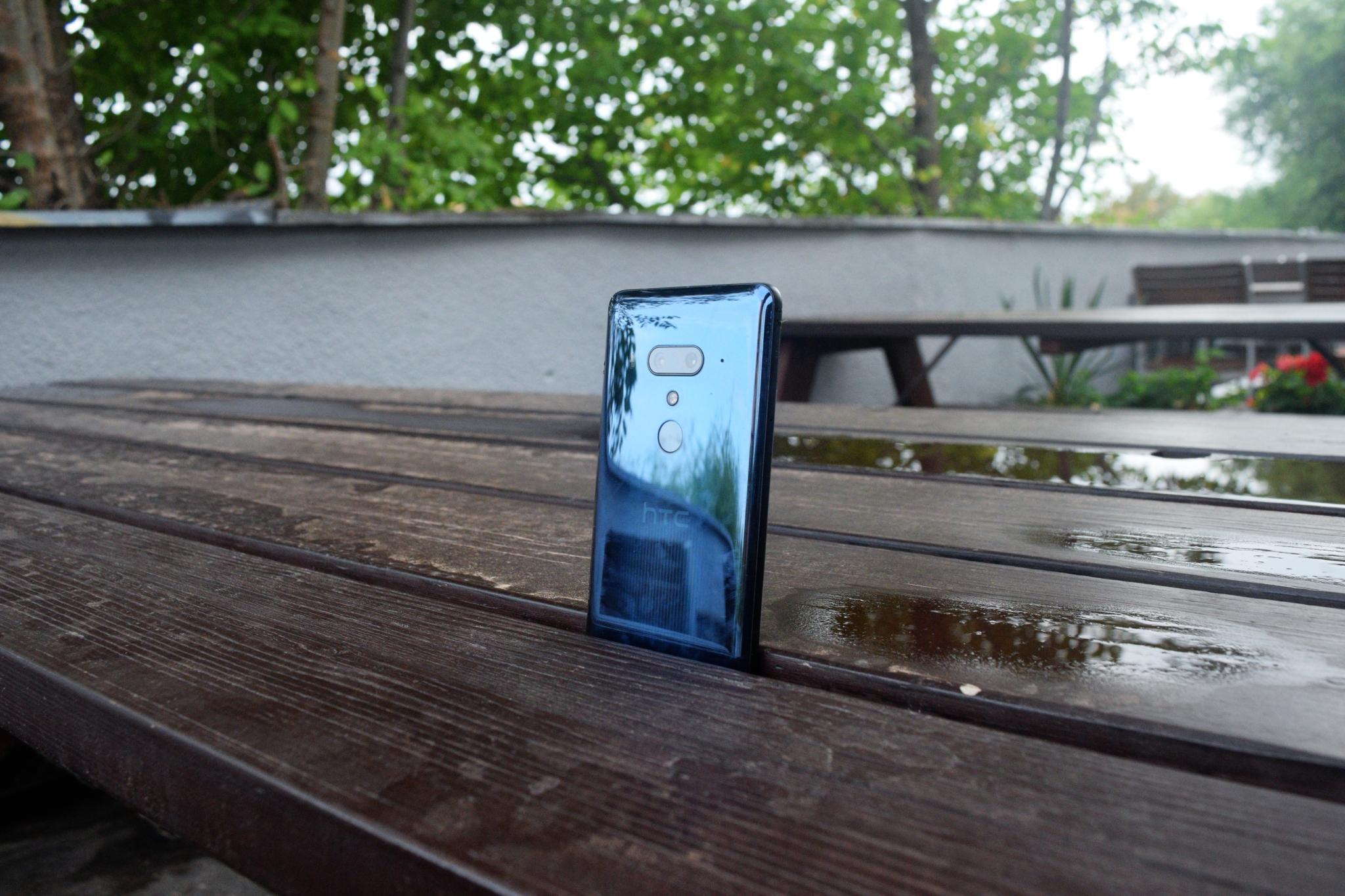HTC U12 Plus – mačkací nádhera se slušným výkonem [recenze]
