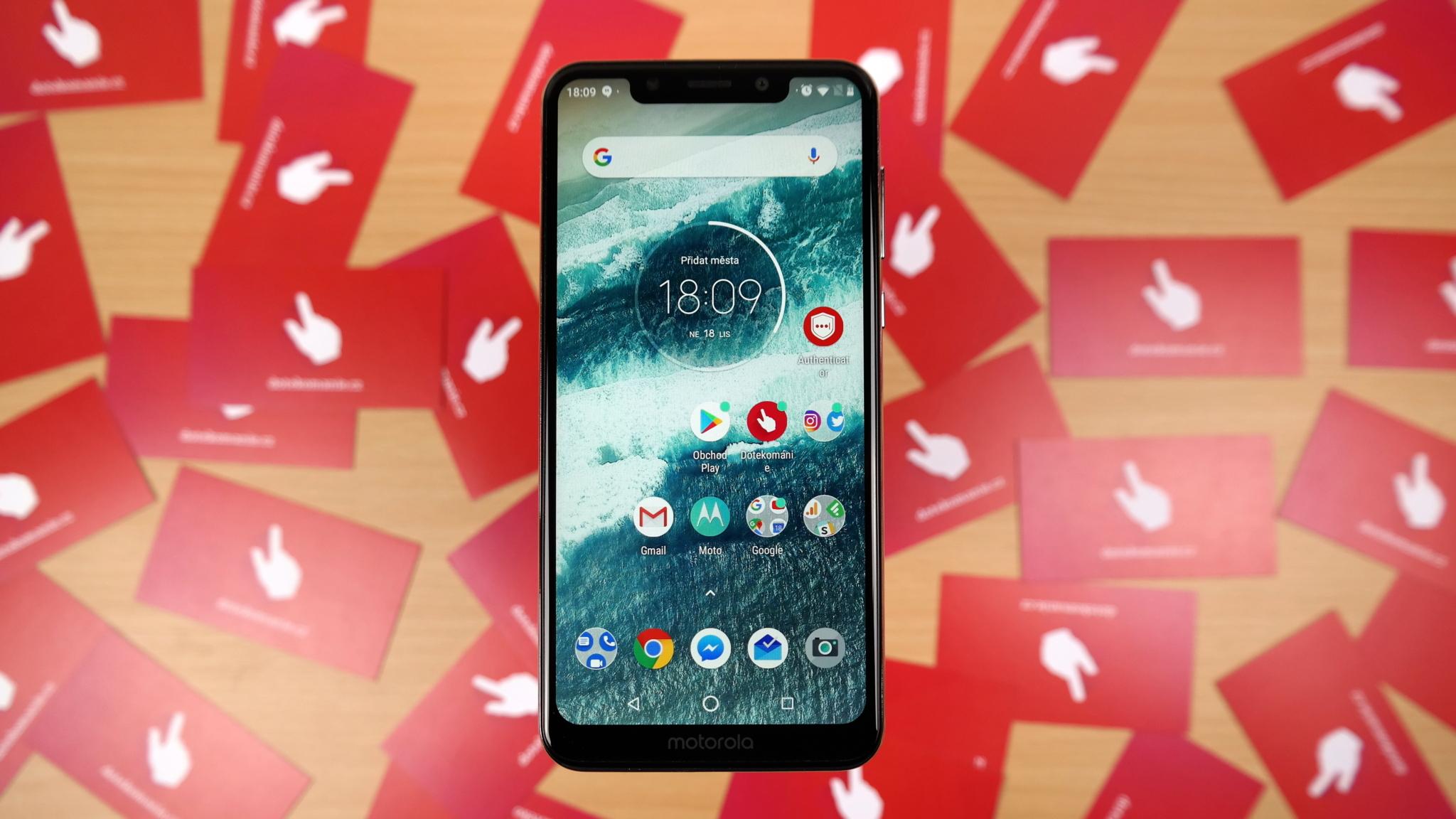 Motorola One – čistý Android s výřezem [recenze]