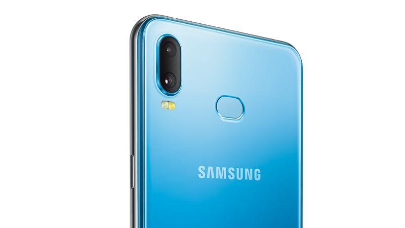 Nový Galaxy A6s poprvé nevyrábí Samsung