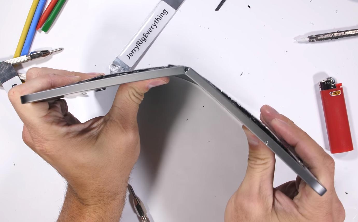"""iPad Pro a nová kauza """"bend gate"""""""